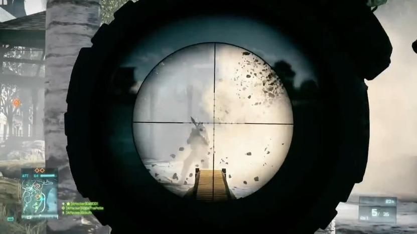 Un rifle de asalto M16A4, equipado con una mira ACOG, ideal para salir de paseo al parque mientras disfrutas de la vista