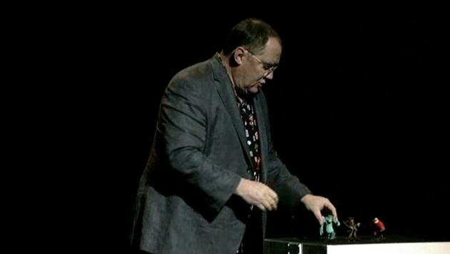 Durante la presentación, John Lasseter se mostró entusiasmado y habló de cómo Disney Infinity se compara con la forma en que juegan los niños en la vida real