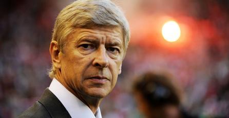 Arsène Wenger se une a <em>PES Club Manager</em>