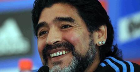Diego Maradona vuelve a amenazar con demandar a Konami