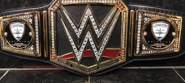 Campeones de la Overwatch League recibieron un cinturón de la WWE