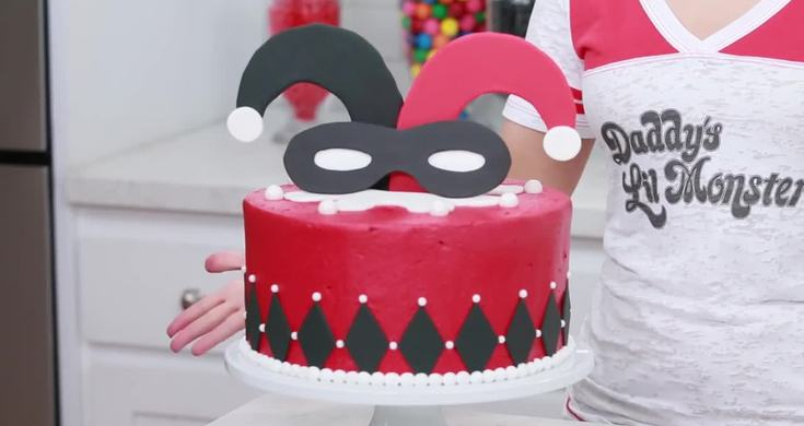 Nerdy Nummies Harley Quinn Cake