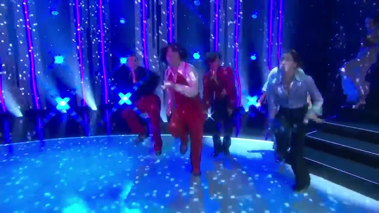 Top 10 All Stars Groovy Disco Performance Season 14 Ep 10  # Muebles Para Night Club
