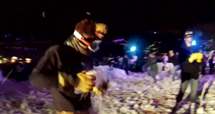 Worlds Biggest Snowball Fight in Seattle - Videos - Metatube