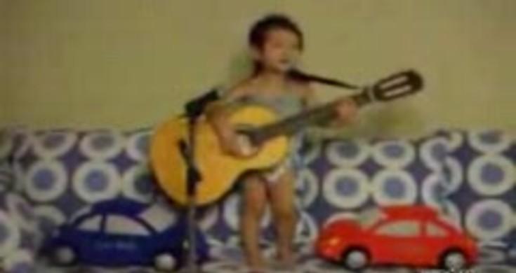 Little Kid Singing Hey Jude