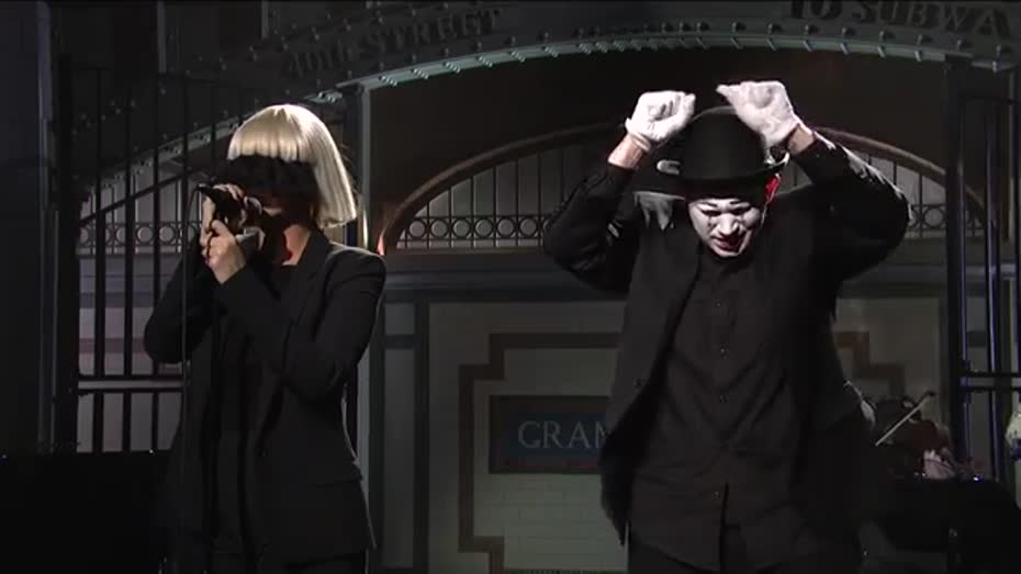 Sia chandelier live on snl videos metatube aloadofball Image collections