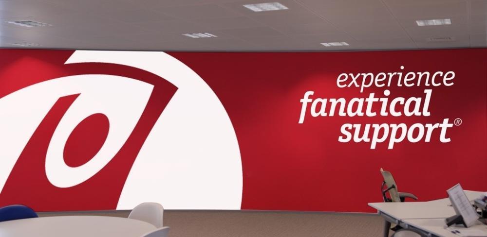 'Fanatical Support' de Rackspace es un soporte técnico que llega a los límites del fanatismo, para satisfacer las necesidades de sus clientes para apoyarlos en sus metas de éxito