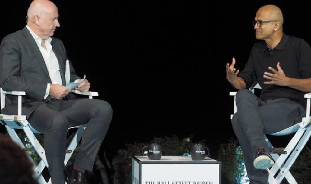 Steve Ballmer (izq.) y Satya Nadella (der.). Foto: WSJ.