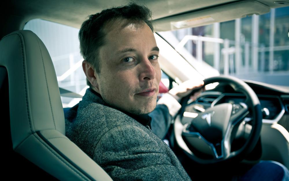 Elon Musk con Brian Sandoval, gobernador de Nevada