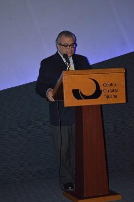 """El Director de Cecut, Pedro Ochoa presenta la cinta """"Galápagos"""""""