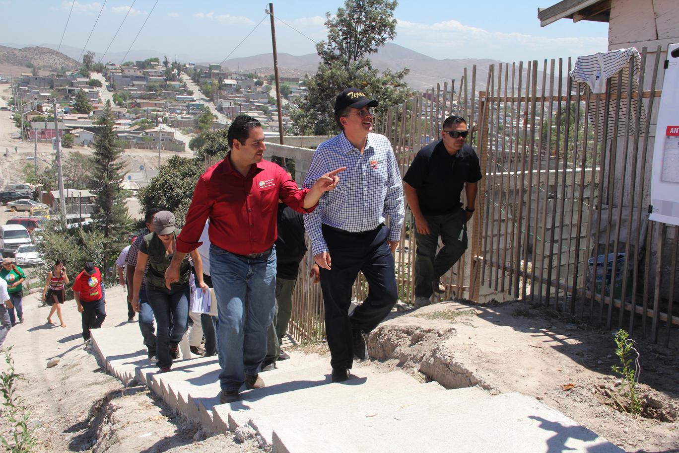 Terrazas Del Valle Tiene Nuevo Puente Peatonal Y Escaleras