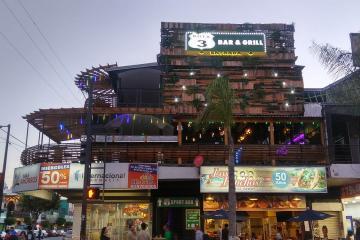 A New Sports Bar With a Large Terrace Opens in Avenida Revolución