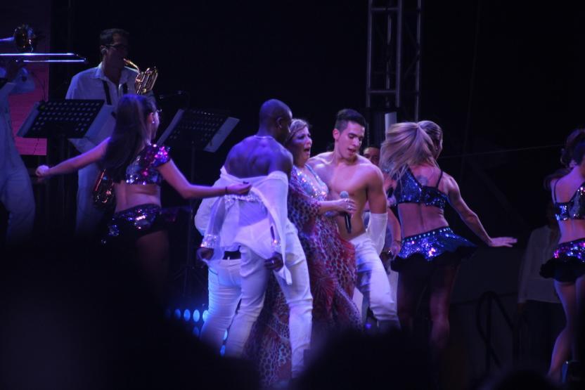 Candentes bailes presentaron los bailarines de Margarita