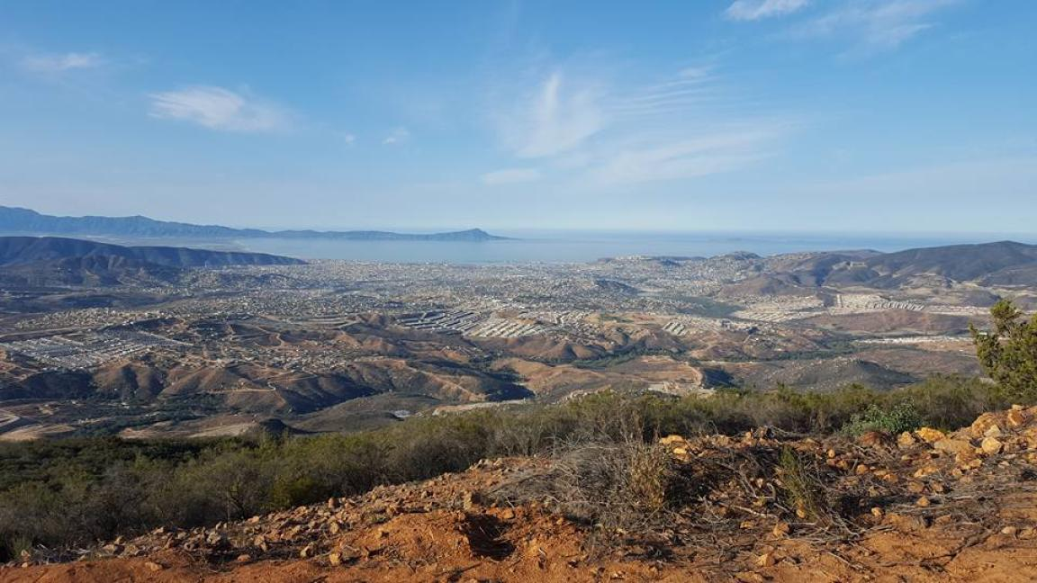Cuando les decíamos que desde el Ejido se veían hermosos paisajes de Ensenada, no mentíamos. Foto: Shiva Fas