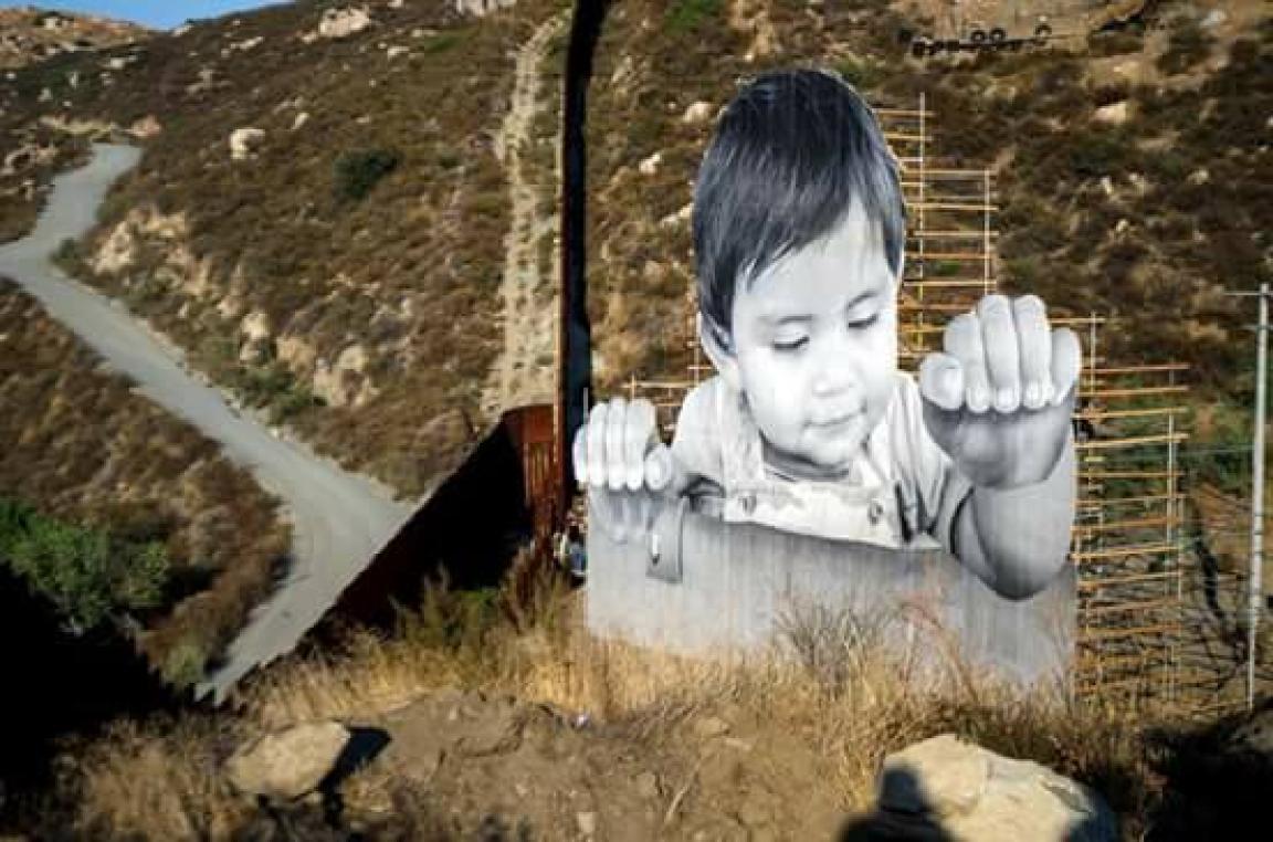 Impresionante se ve entre las barras metálicas del muro. Foto: Rubén Amavisca