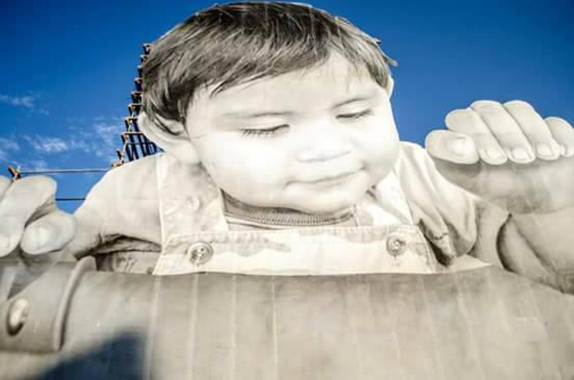 El niño es Francisco, de tan solo un año de edad y vive en la zona. Foto: Rubén Amavisca