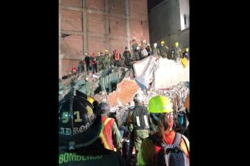 Mexicans Sing National Anthem After Arduous Rescue Work