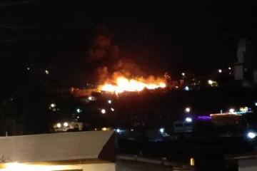 Destruye feroz incendio tres casas en colonia Anexa Buena Vista de...