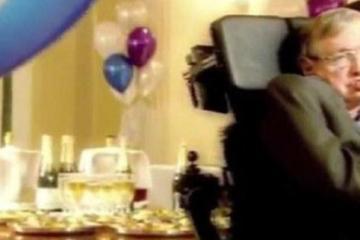 El día que Stephen Hawking organizó una fiesta y nadie fue