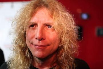 ¿Por qué el baterista de Guns N Roses es el hombre más feliz?