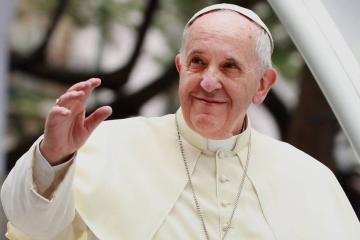 Vaticano podría incluir a mujeres en roles sacerdotales