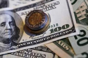 Dólar se vende por debajo de los 19 pesos