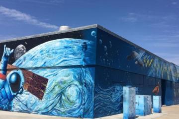 Artista rosaritense ayuda a embellecer calles de Imperial Beach