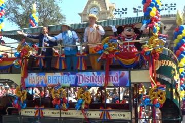 Disneyland Resort celebra 63 años de magia con homenaje a su...