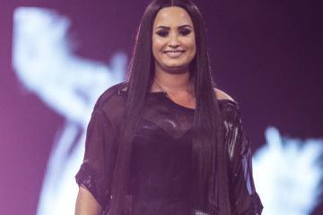 Demi Lovato es llevada al hospital de emergencia por sobredosis de...