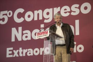 Morena regresará 50 por ciento de sus prerrogativas, promete AMLO