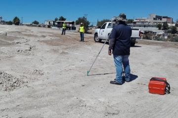 Inicia instalación de agua y drenaje en terrenos donados a vecinos...