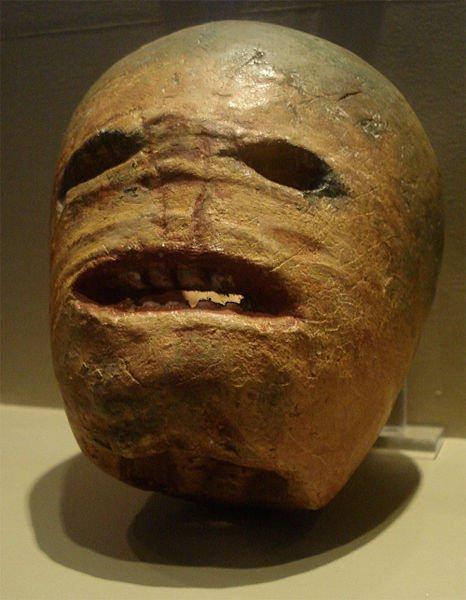 Antes de que se usaran calabazas (en el viejo mundo no había calabazas) se usaban nabos para las celebraciones de Halloween en Irlanda.