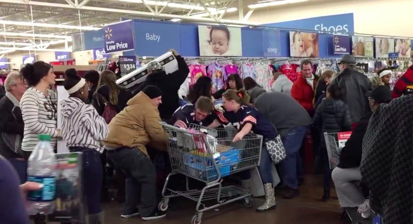 Caos en una Walmart de Estados Unidos.