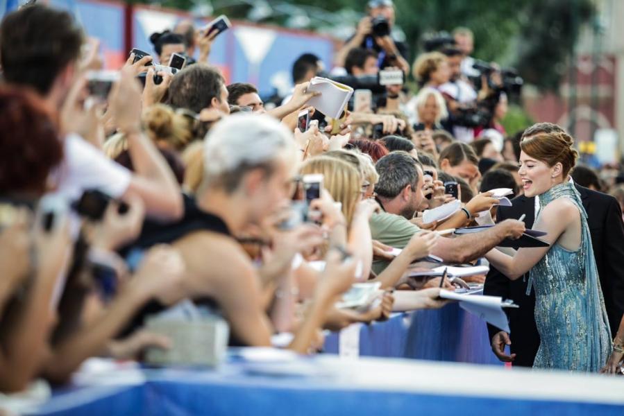 Emma Stone en la alfombra roja del festival