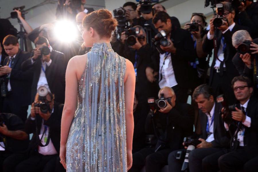 Emma Stone en el Festival Internacional de cine de Venecia. (Fotografía por Filippo Monteforte)