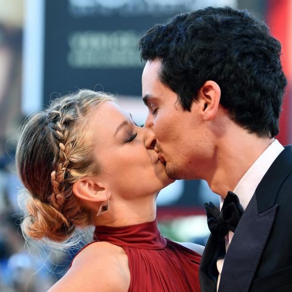 El director de La La Land, Damien Chazelle con su novia (Fotografía: Ettore Ferrari)