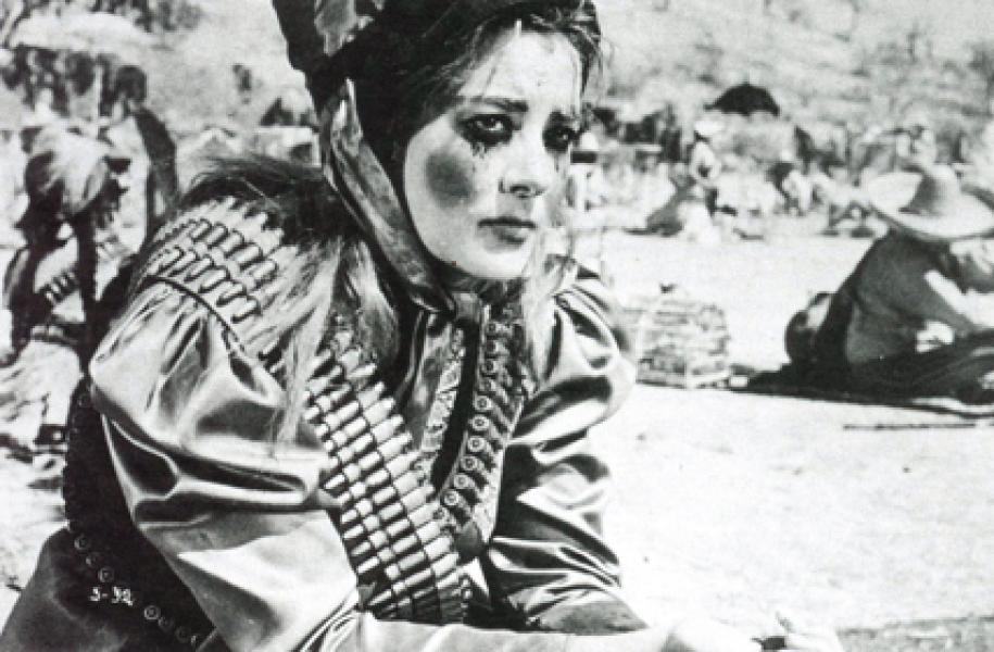 Pinal en un fotograma de La Soldadera (1967)