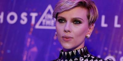 Scarlett Johansson es acusada de mentirosa por la Red de Medios Asia-América