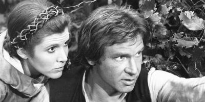Harrison Ford dice que sintió la presencia de Carrie Fisher en la ceremonia de Mark Hamill del Paseo de la Fama