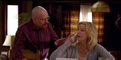 Actriz de Breaking Bad responde a críticas violentas y sexistas por su personaje