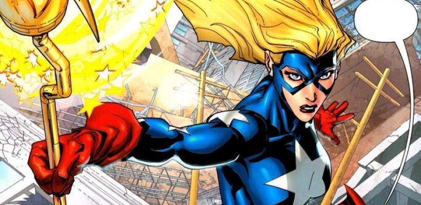 Stargirl: Warner podría estar buscando a una actriz que no sea blanca y rubia para interpretar a la superheroína