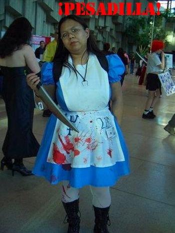 ¿Por qué no funcionó  La regla del cosplay dice que si te van a tomar una  foto acb0374cb9ee