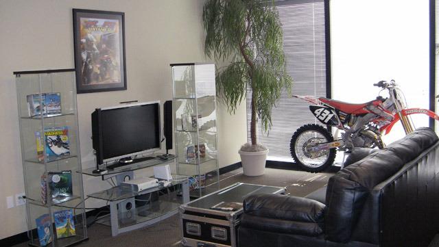 THQ Digital Studios Phoenix contaba con alrededor de 60 miembros y era uno de los estudios más grandes en el suroeste de Estados Unidos. He aquí su lobby