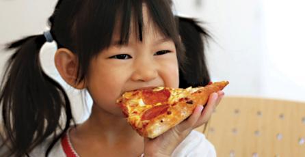 ESTUDIO: niños comen menos después de jugar <em>Angry Birds</em>