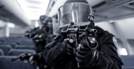 Adolescente envía equipo SWAT contra un rival de <em>Minecraft</em>