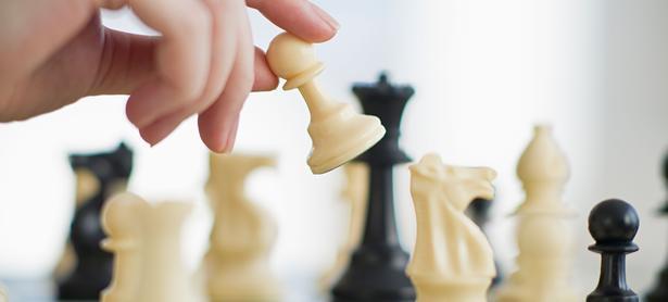 Descubren tramposo en torneo profesional de ajedrez