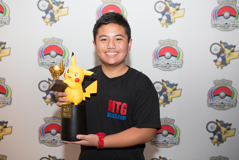 Patrick Martinez (Estados Unidos) el ganador de la división Senior en Pokémon Trading Card Game