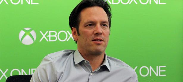 Phil Spencer espera que el PS4 baje de precio en América