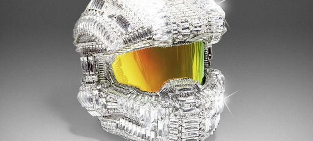 Termina la subasta del casco del Master Chief decorado con diamantes