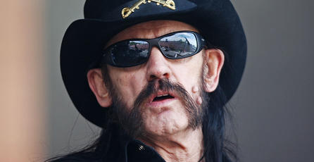 Double Fine rinde un pequeño homenaje a Lemmy Kilmister